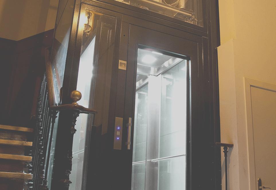 Instalación del ascensor a Cota Cero: ¿quién lo paga?