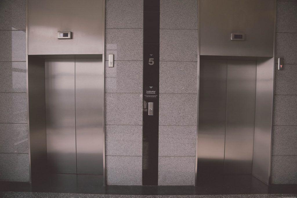 ascensor comunidad de vecinos